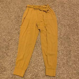Pants - Closet clean out- women's clothes